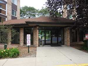 502 W Huntington Commons Rd #232 Mount Prospect, IL 60056