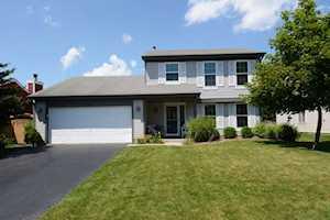 1465 Bridgedale Rd Crystal Lake, IL 60014