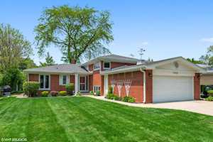 1306 Hawthorne Ln Glenview, IL 60025