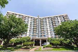 20 N Tower Rd #10G Oak Brook, IL 60523