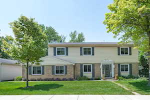 10 Pine St Deerfield, IL 60015