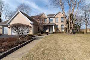 3724 Glenlake Dr Glenview, IL 60026
