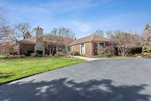14 Wyndham Ct Oak Brook, IL 60523