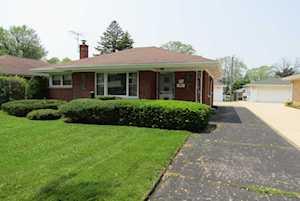 956 S Hillcrest Ave Elmhurst, IL 60126