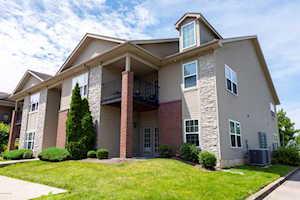 7311 Saint Andrews Woods Cir #202 Louisville, KY 40214