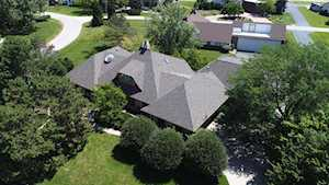 8415 Charles Ct Downers Grove, IL 60516