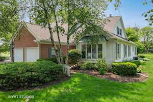 221 Country Club Dr Prospect Heights, IL 60070
