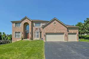 3507 Thunderbird Ln Crystal Lake, IL 60012