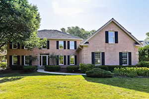 1612 Mulberry Dr Libertyville, IL 60048