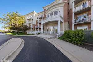 601 W Rand Rd #116 Arlington Heights, IL 60004