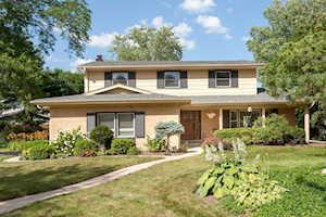 569 Castlewood Ln Deerfield, IL 60015