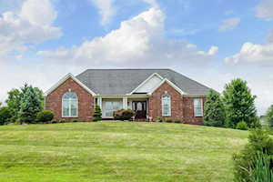4200 Big Springs Ct Crestwood, KY 40014