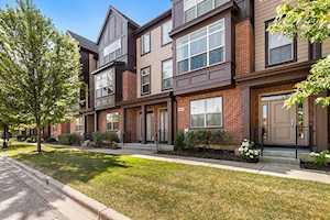 343 Aspen Pointe Rd Vernon Hills, IL 60061