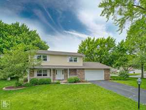 6S600 Meadowbrook Ct Naperville, IL 60540