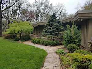 276 Donlea Rd Barrington Hills, IL 60010