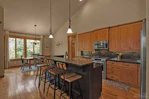 60830 Whitney Place Bend, OR 97702