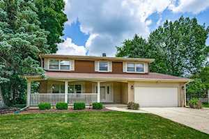 23W301 E Woodcrest Ct Naperville, IL 60540