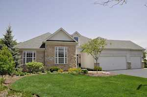 6 Turnberry Ct Lake In The Hills, IL 60156