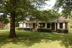 310 Bromwick Ct Louisville, KY 40243