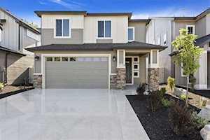 2128 N Woodcreek St. Boise, ID 83704