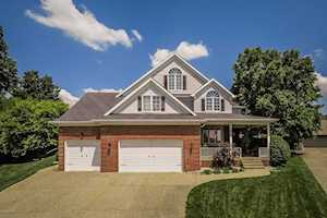 4501 Epinay Ct Louisville, KY 40272