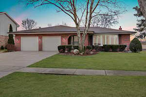 6508 Rodgers Dr Willowbrook, IL 60527