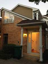 1056 Courtland Dr Buffalo Grove, IL 60089