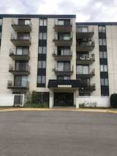 9737 N Fox Glen Dr #6E Niles, IL 60714