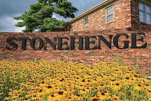 216 Stonehenge Dr #103 Louisville, KY 40207