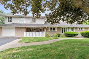 540 Briarhill Ln Glenview, IL 60025