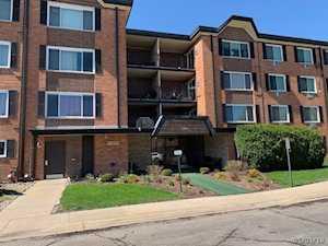 1106 S New Wilke Rd #204 Arlington Heights, IL 60005