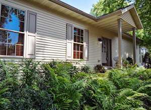 135 Wildwood Rd Algonquin, IL 60102