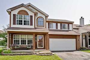 17 Redbud Ct Lake In The Hills, IL 60156