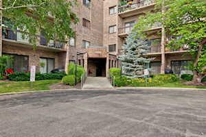 1400 N Elmhurst Rd #412 Mount Prospect, IL 60056