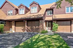 605 Picardy Circle Northbrook, IL 60062
