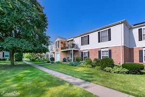 963 Golf Course Rd #2 Crystal Lake, IL 60014
