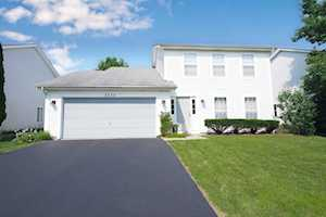 2752 Bluewater Circle Naperville, IL 60564