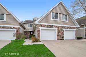 2527 Windsor Ln Northbrook, IL 60062