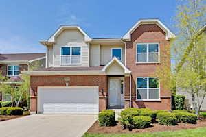 330 Raymond Rd Buffalo Grove, IL 60089