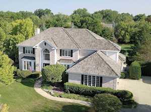 1108 New Castle Dr Libertyville, IL 60048