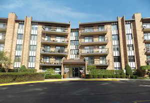 501 Lake Hinsdale Dr #304 Willowbrook, IL 60527