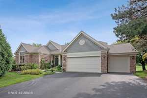 7 Sunvalley Ct Lake In The Hills, IL 60156