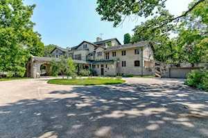 105 S Deere Park Dr Highland Park, IL 60035