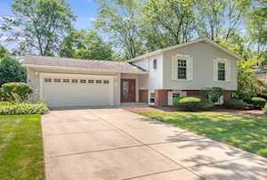937 Ironwood Ave Darien, IL 60561