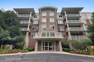 425 Benjamin Dr #504 Vernon Hills, IL 60061