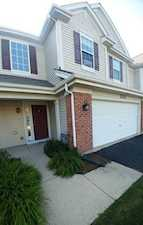 2121 Claremont Ln #2121 Lake In The Hills, IL 60156