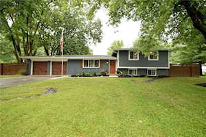 7286 Lakeside Drive Indianapolis, IN 46278