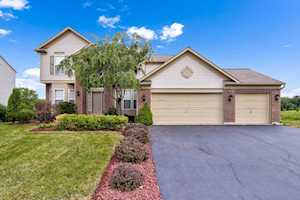 646 Somerset Ave West Dundee, IL 60118