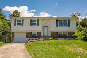 7505 Revolutionary Ct Louisville, KY 40214