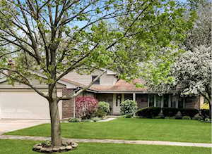 3023 N N Dryden Place Arlington Heights, IL 60004